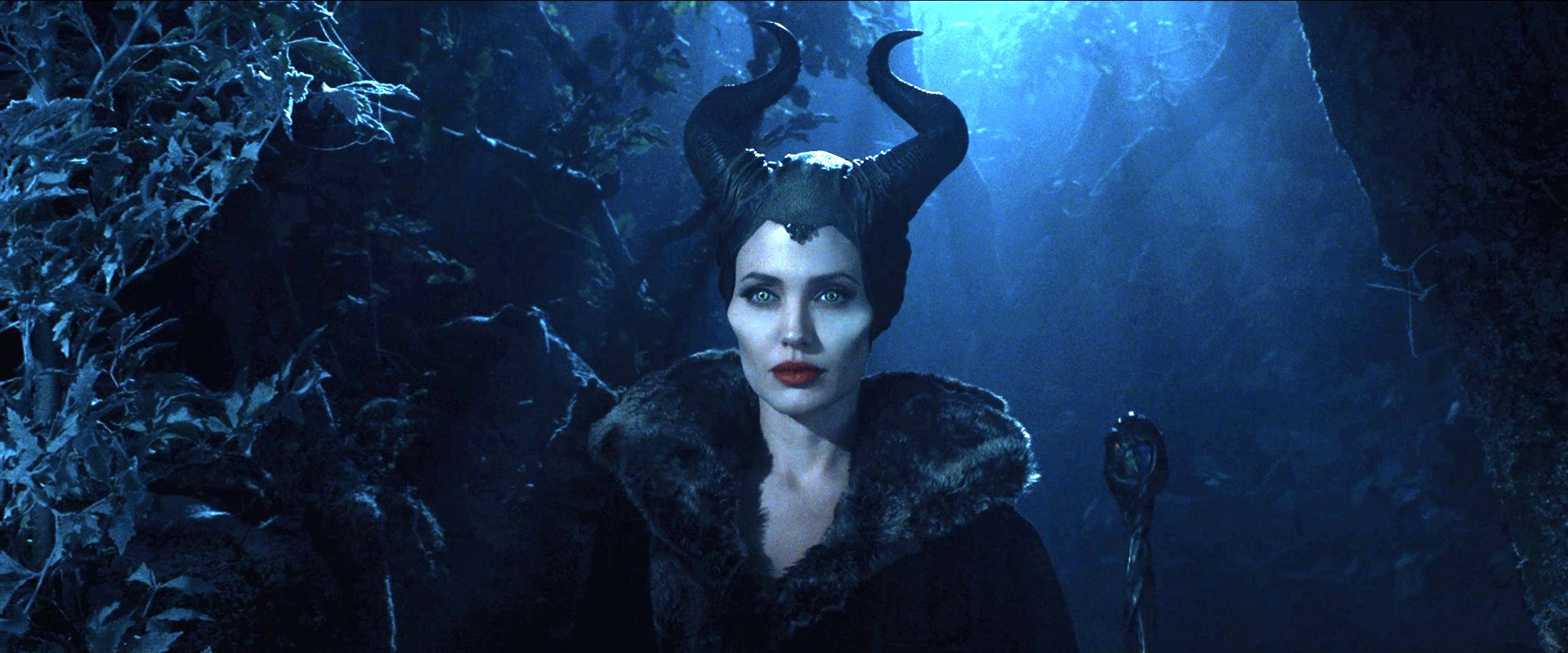 "Maleficent Movie 2014 Hd Ipad Iphone Wallpapers: Disney Teases Dark Fantasy In New ""Maleficent"" Trailer"